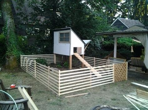 chicken coops craigslist - home sweet chicken houses on pinterest 21