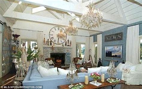 cape cod home decor pregnant jessica simpson and fianc 233 prepare to complete on ozzy osbourne s 13 million country
