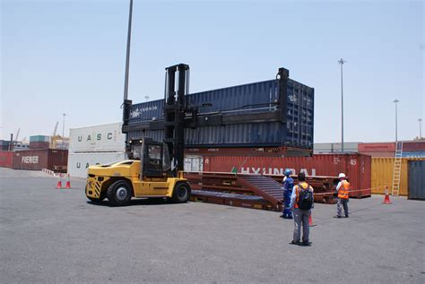 emirates shipping line emirates shipping line folds 4fold foldable containers in