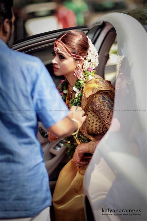 Wedding Photo Style by Bhavana Wedding Photos Kerala Wedding Style