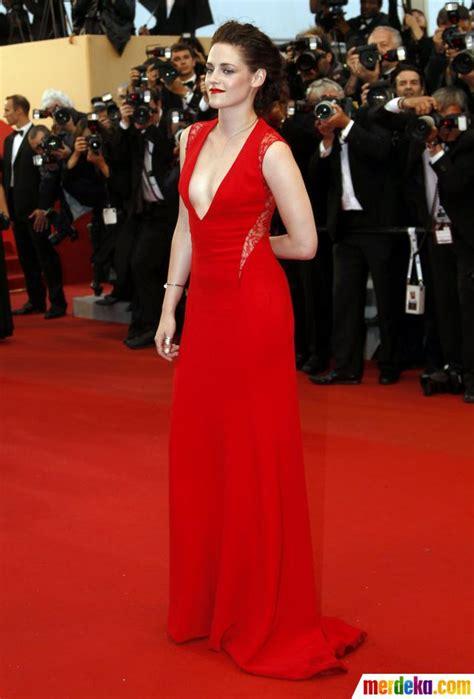 Gaun Snow White Sparkle 3 Tahun foto gaun merah kristen stewart merdeka