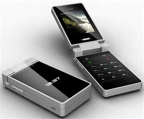 Porsche Design P9521 Cellphone Looks 6 sagem p 9521 porsche design wp tech