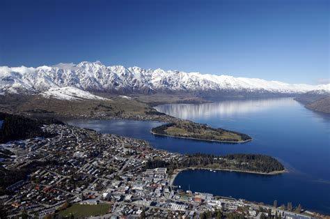 14 day new zealand marvel guided coach tour