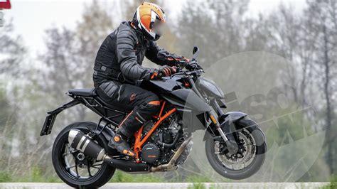 Superduke Ktm 2017 Ktm 1290 Duke R Spotted Testing Iamabiker