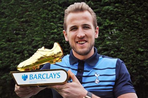 epl golden boot winners premier league top goalscorer 2016 17 who will win the