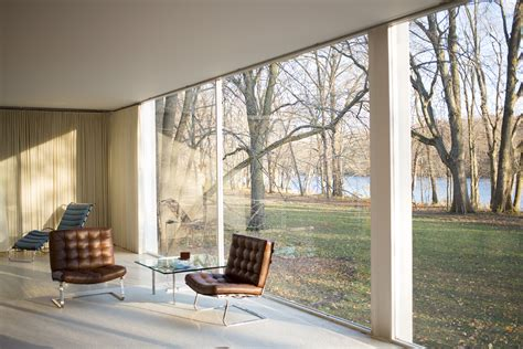 interiors for the home file farnsworth house by mies der rohe interior jpg