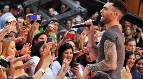 Shafa Khimar No Pet Maroon show do maroon 5 em curitiba banda divulga a lista dos objetos proibidos no show