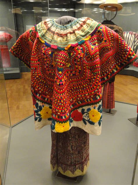 mayan clothing e of the w