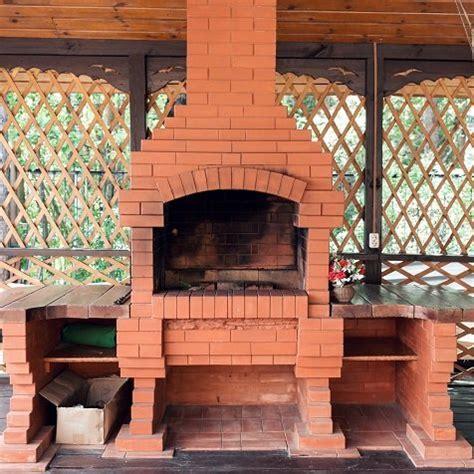 forni e barbecue da giardino barbecue e forni da esterno a confronto