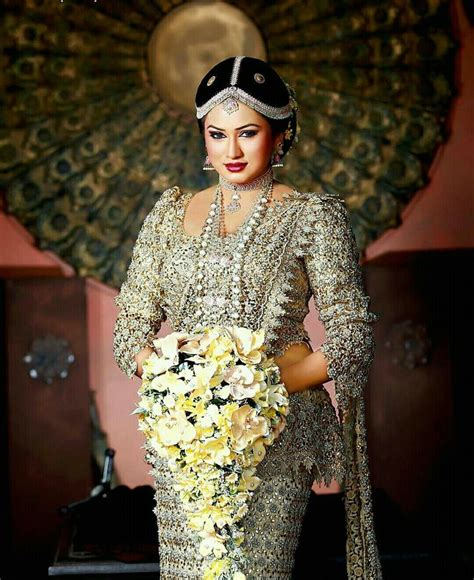 sri lankan actress back side photos the 354 best images about sri lankan wedding on pinterest