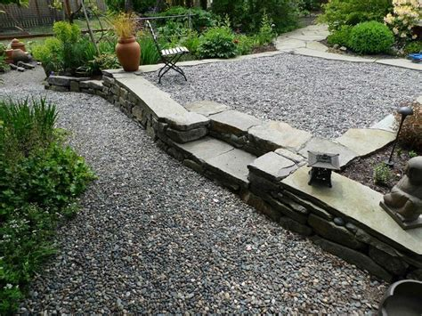 Mulch Patio by Best 25 Pea Gravel Patio Ideas On Gravel