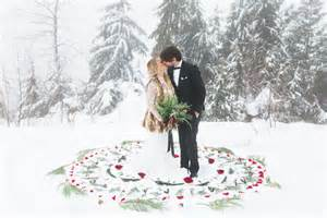 vintage bohemian winter wedding julia mike green