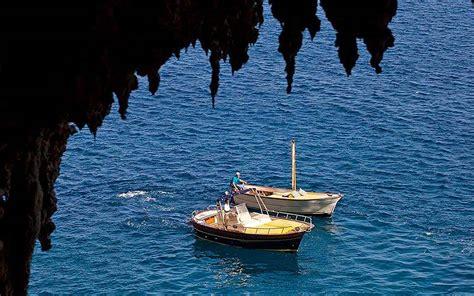 boat tour capri book the quot classic quot boat tour around capri capri booking