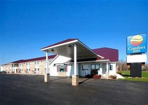 comfort inn munising mi comfort inn munising munising deals see hotel photos