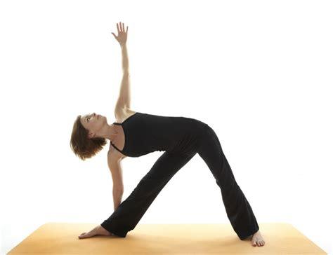 imagenes de yoga en pareja faciles posturas de yoga b 225 sicas y f 225 ciles