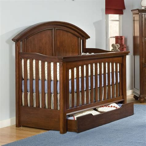 Bertini Pembrooke 4 In 1 Convertible Crib Bertini Pembrooke 4 In 1 Convertible Crib Rustic Bertini Pembrooke 3drawer Desk Chair