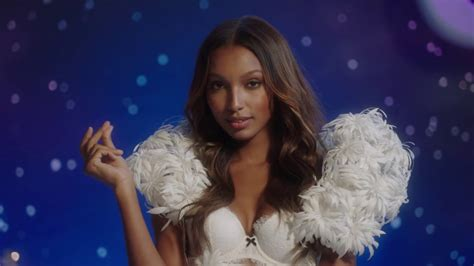 fashiontv updated daily weekly monthly seasonally happy holidays from victoria s secret fashiontv
