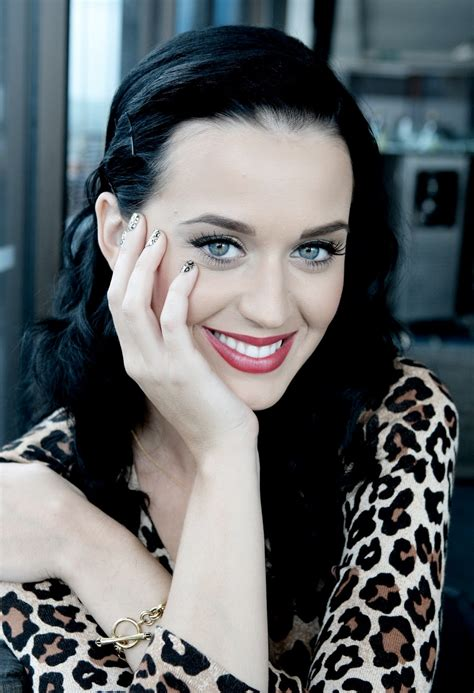 biography about katy perry celebrity top news hot pop singer katy perry biography