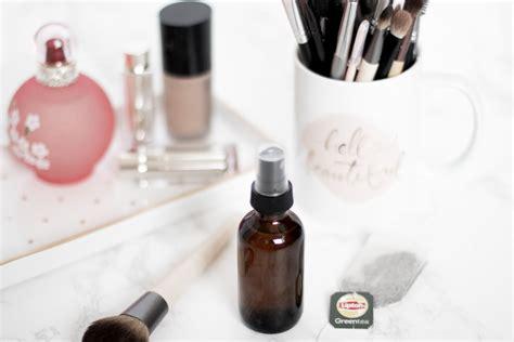 diy makeup setting spray with cornstarch makeup setting spray diy style guru fashion glitz style unplugged