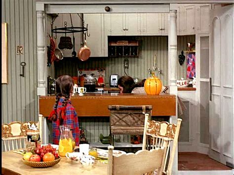 mary tyler moore apartment minneapolis mary s kitchen mary tyler moore show hooked on houses