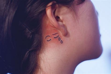 tattoo behind the ear hurt 11 tiny tattoo ideas for behind your ear from celebrity