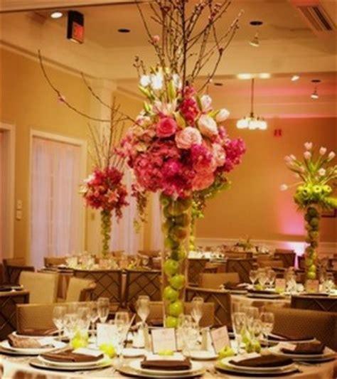 wedding preparation wedding flower table centerpieces
