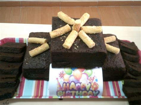 kue ulang  unik tradisi kue ultah  kantor