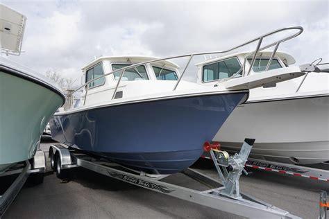saltwater fishing boat with cabin 2018 new parker 2320 sl sport cabin2320 sl sport cabin