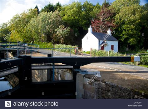 Lock Keepers Cottage Belfast by The Lock Keeper S Cottage On The Lagan Towpath Belfast