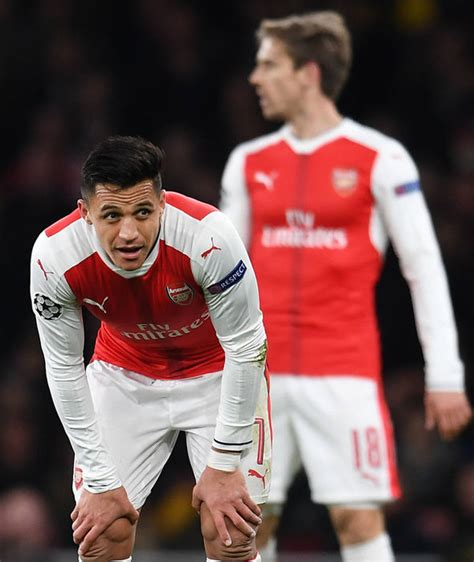 alexis sanchez express transfer news charlie nicholas demands axe for 10 arsenal