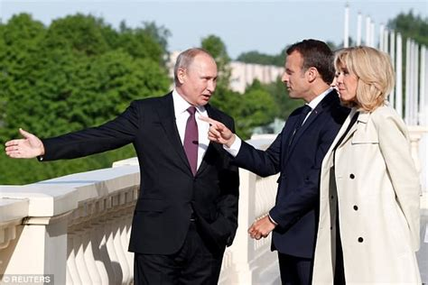 emmanuel macron russia emmanuel macron flies to russia for talks with vladimir