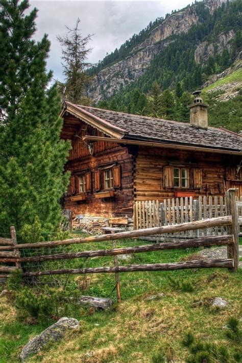 cottages in the mountains best 25 mountain cabins ideas on lake cabin