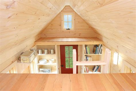 uma mini casa de madeira barata de construir mundo gump
