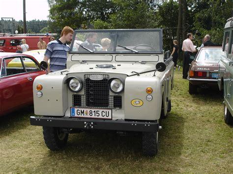 land rover daktari file land rover series 1 cabrio jpg wikimedia commons