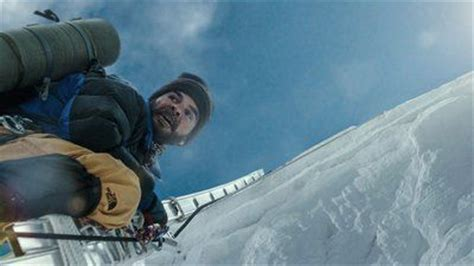 film everest synopsis everest movie review film summary 2015 roger ebert