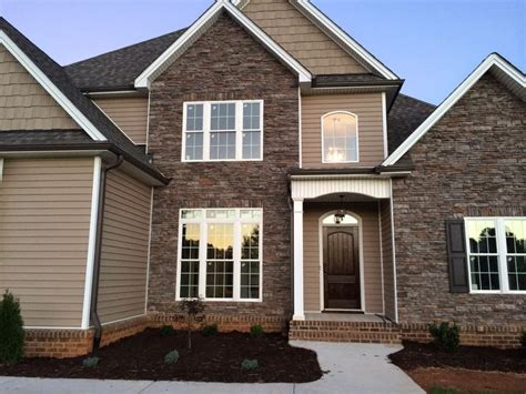 brick homes with vinyl siding colors 126 best brick siding stone combos images on pinterest