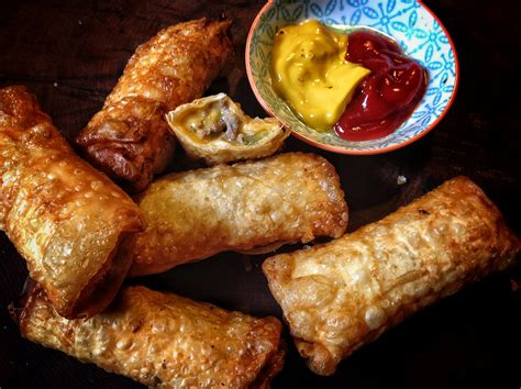 macaroni cheese spring rolls am i in heaven plemousse cheeseburger spring roll recipe is the ultimate american