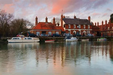 river thames boat hire abingdon things to do in abingdon