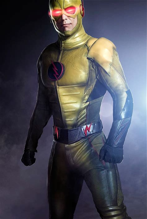 tom cavanagh  reverse flash  cws flash