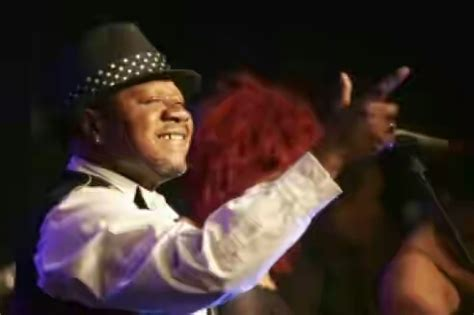 stars who died on stage video congolese star papa wemba dies on stage while