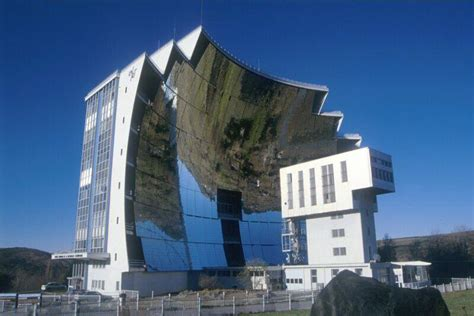 designing buildings top ten most unusual buildings in the world interesting 6