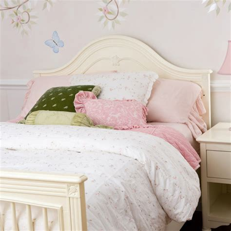Bellini Crib Bedding by Bellini Debby Convertible Crib By Bellini