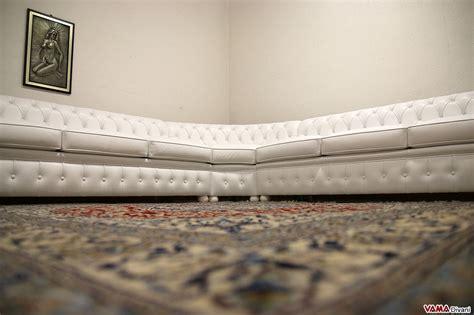divani angolo tondo divano chesterfield angolare con angolo tondo in vera pelle