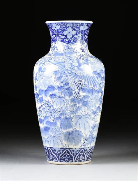 blue and white floor l a large blue and white glazed porcelain floor vase