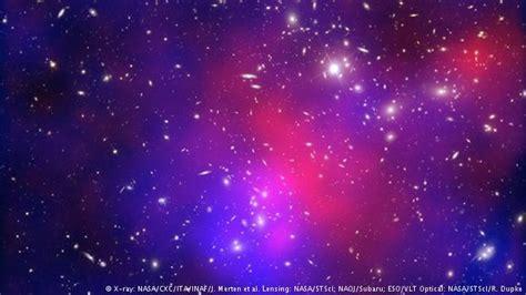 gambar wallpaper bintang biru mengungkap galaksi dari 13 milyar tahun silam iptek dw