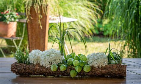 Sommerliche Tischdeko by Sommerliche Blumen Tischdeko Basteln Und Dekorieren