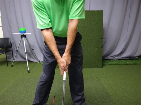 loose grip golf swing golf grip instruction bing images