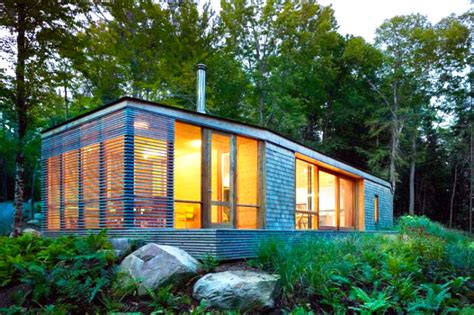 Small Home Communities Canada Stealth Cabin Eco Retreat Blends With The Forest In