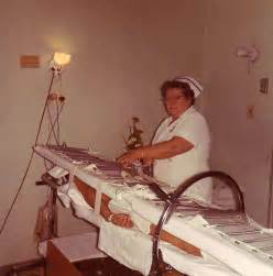 Stryker Frame Bed An Stryker Frame Used To Turn Patients With Spinal Injuries I Am An Rn Pinterest