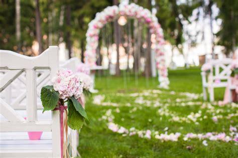 addobbi giardino per matrimonio addobbi floreali per matrimoni l arco di pollicegreen